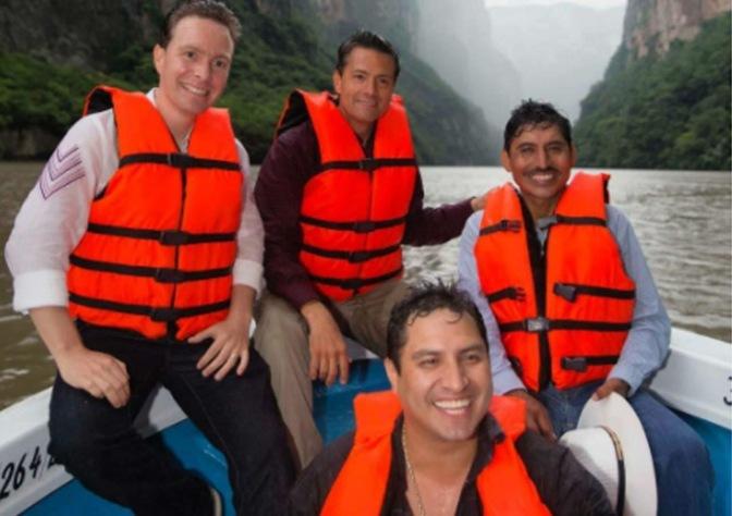 Presidente Peña Nieto sube y rápidamente borra foto con Julion Alvarez